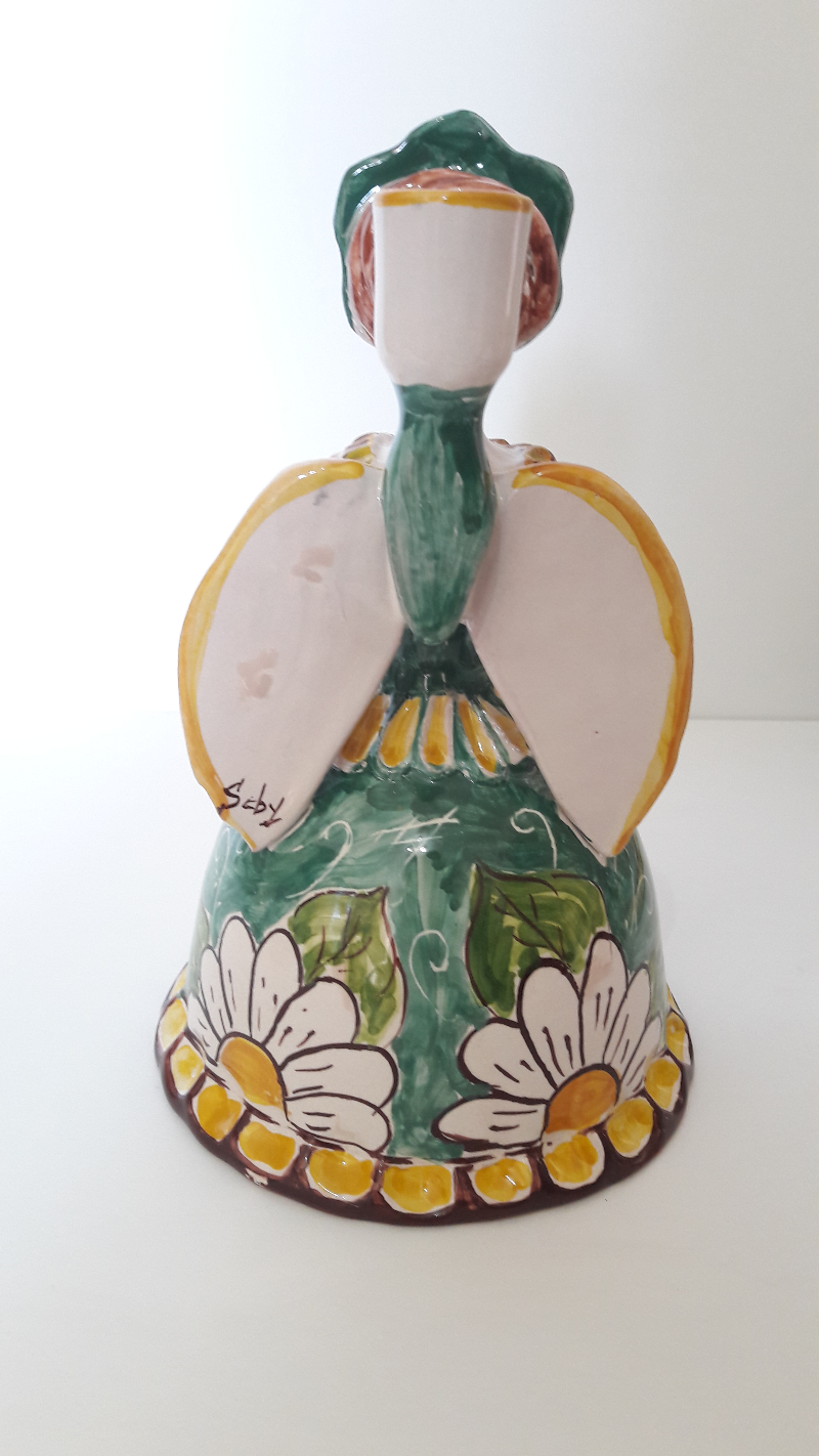 Matrangela-decorated-with-Daisies