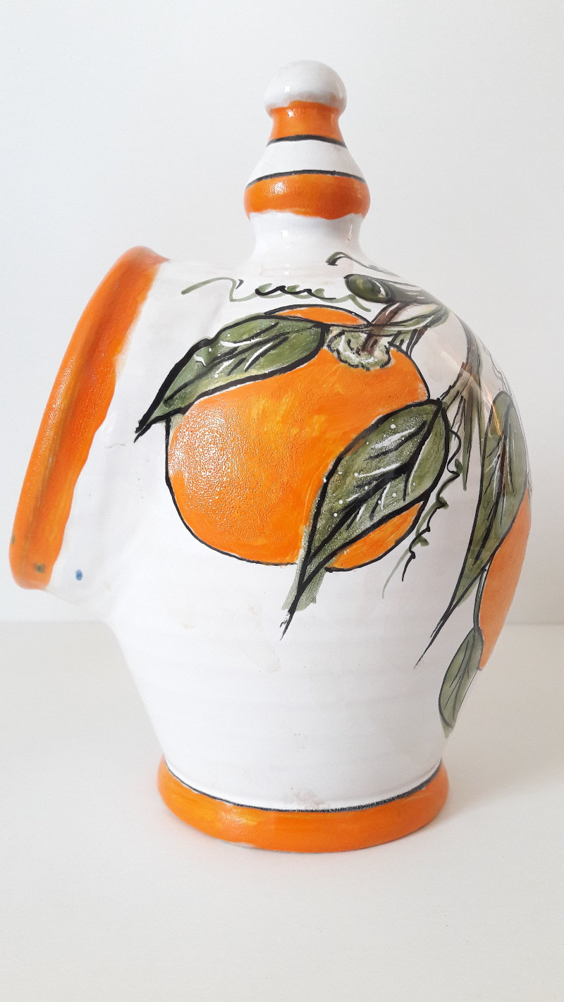 The-Salt-Shaker-Is-Decorated-Oranges