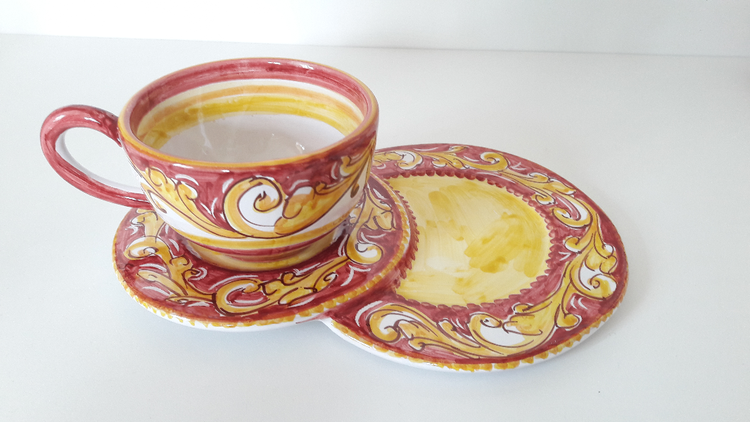 Cup-for-Breakfast-with-saucer,-double-Biscuits