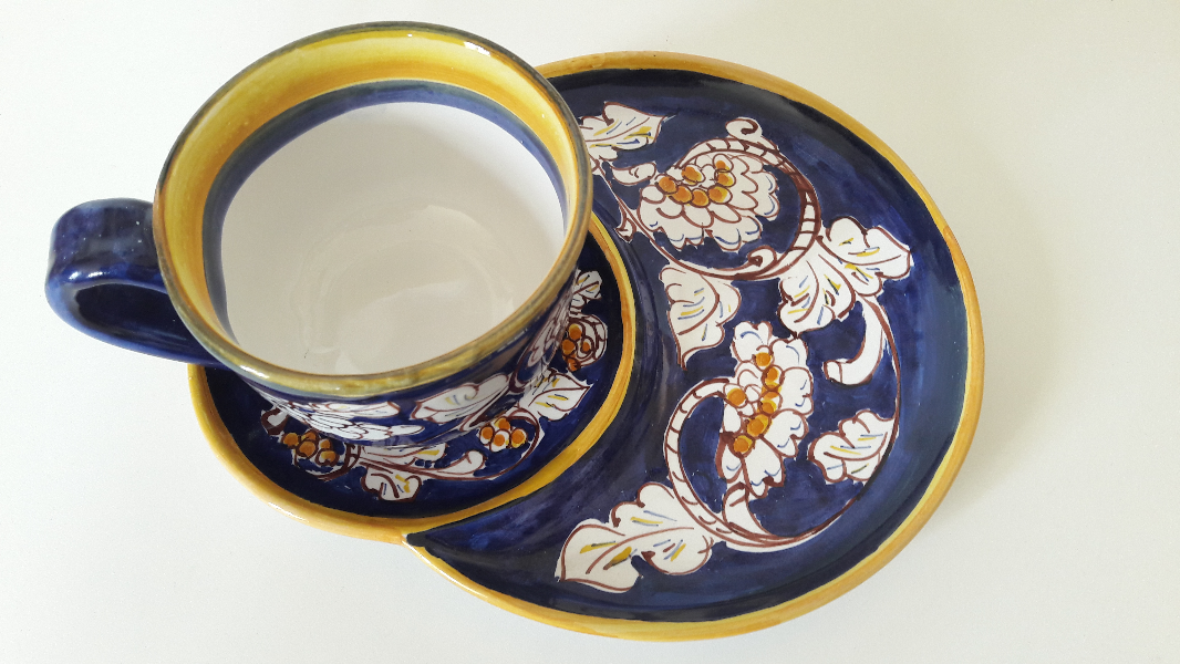 Cup-Decorated-breakfast-with-saucer,-double-Blue
