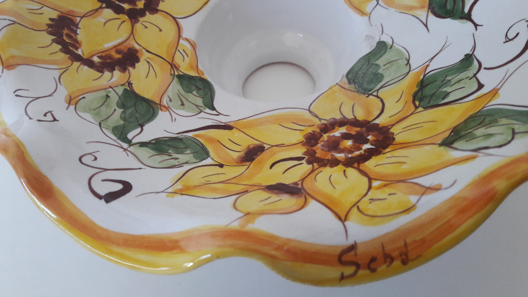 Cup-Chandelier-Decorated-Sunflower